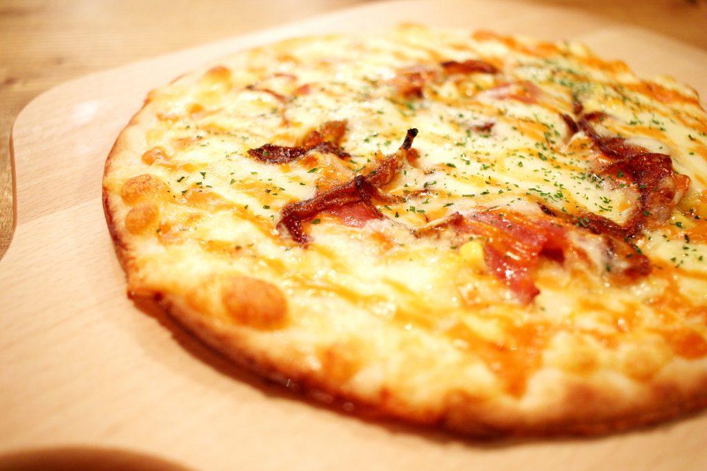 ピザ フッツウーノ